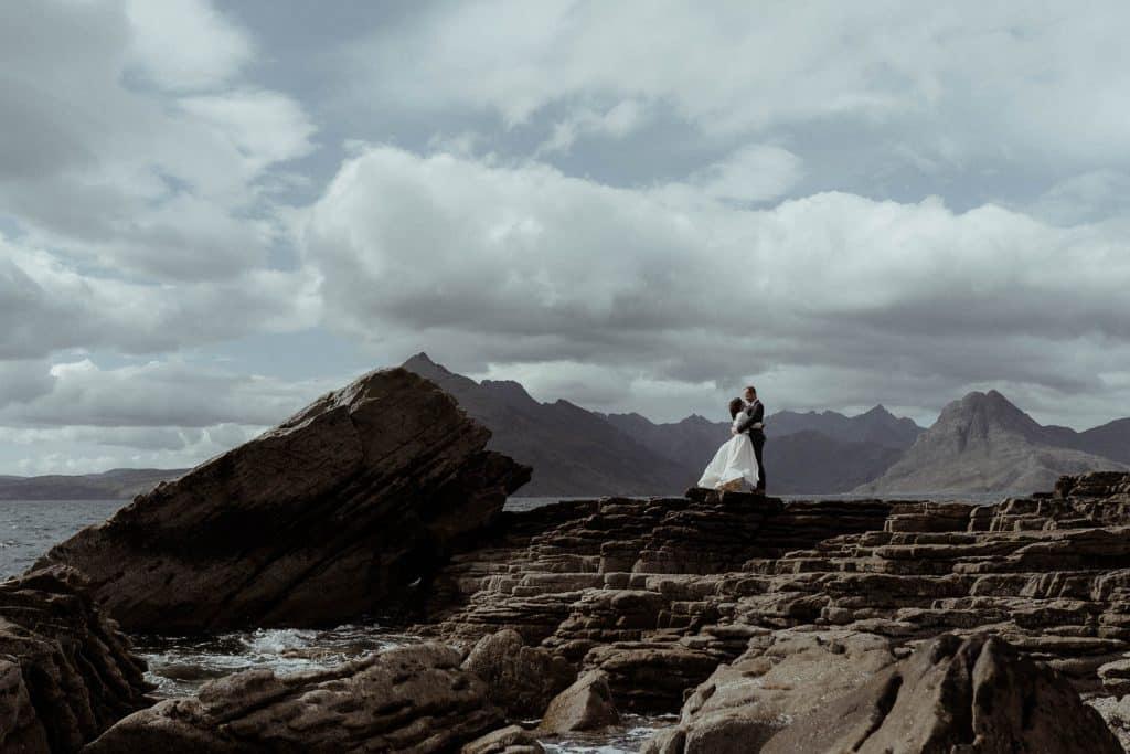 elgol-elopement-couple-on-the-rocks-isle-of-skye